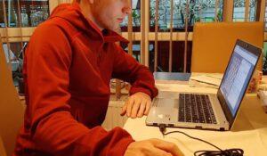 Mihnea Costachi în sferturile de finală ale Campionatului Naţional de Seniori la şah online!
