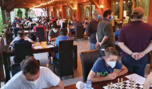 Albaiulianul Mihnea Costachi campion naţional la şah rapid pe echipe cu CSM Baia Mare, club la care are dublă legitimare!